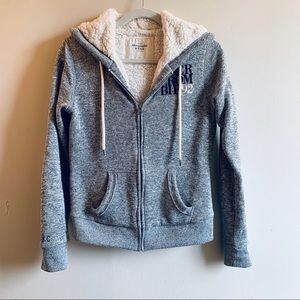 Abercrombie & Fitch Thick Soft Zipper Hoodie